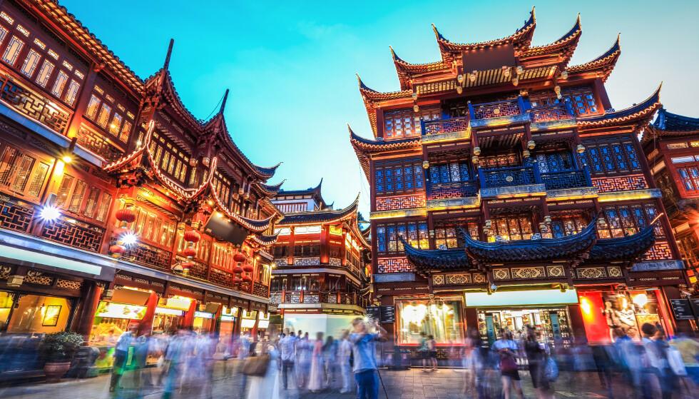 AVBESTILLE KINA-REISEN: Utenriksdepartementet har utstedt offisielt reiseråd mot reiser til Hubei-provinsen. Dermed åpner flyselskaper og forsikringsselskaper for at reiser og opphold kan ombookes eller også i noen tilfeller avbestilles, og noen selskaper gir denne muligheten til hele Kina. Husk også at reiseforsikringen faktisk ikke gjelder dersom du reiser til steder det er utstedt offisielt reiseråd mot. Foto: Shutterstock/NTB scanpix