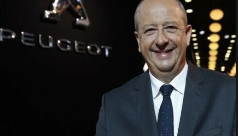 EU TVINGER OSS: - Kravene fra EU tvinger oss til å selge elbiler, sier Peugeot-sjef Jean Philippe Imperato. Foto Peugeot