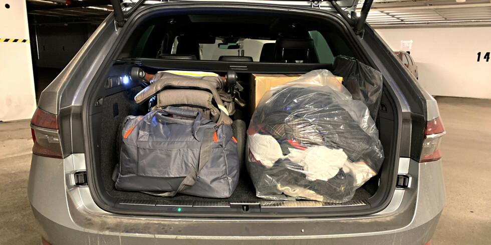 GOD PLASS: Med setene opp får vi inn barnevogn, stellebag, en stor pappeske og en stor søppelsekk-leveranse til Fretex. Foto: Øystein B. Fossum