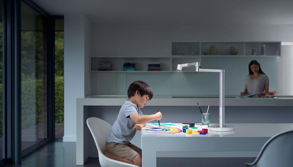 Lightcycle Moprh kommer i to utgaver. Dette er skrivebordmodellen. Foto: Dyson