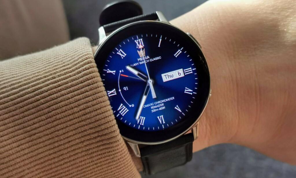 MEGET GOD: Samsungs siste smartklokke, Galaxy Watch Active 2, har mange funksjoner og tilpasningsmuligheter. Foto: Pål Joakim Pollen