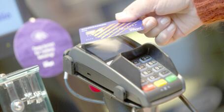 Enorm økning i kontaktløs betaling