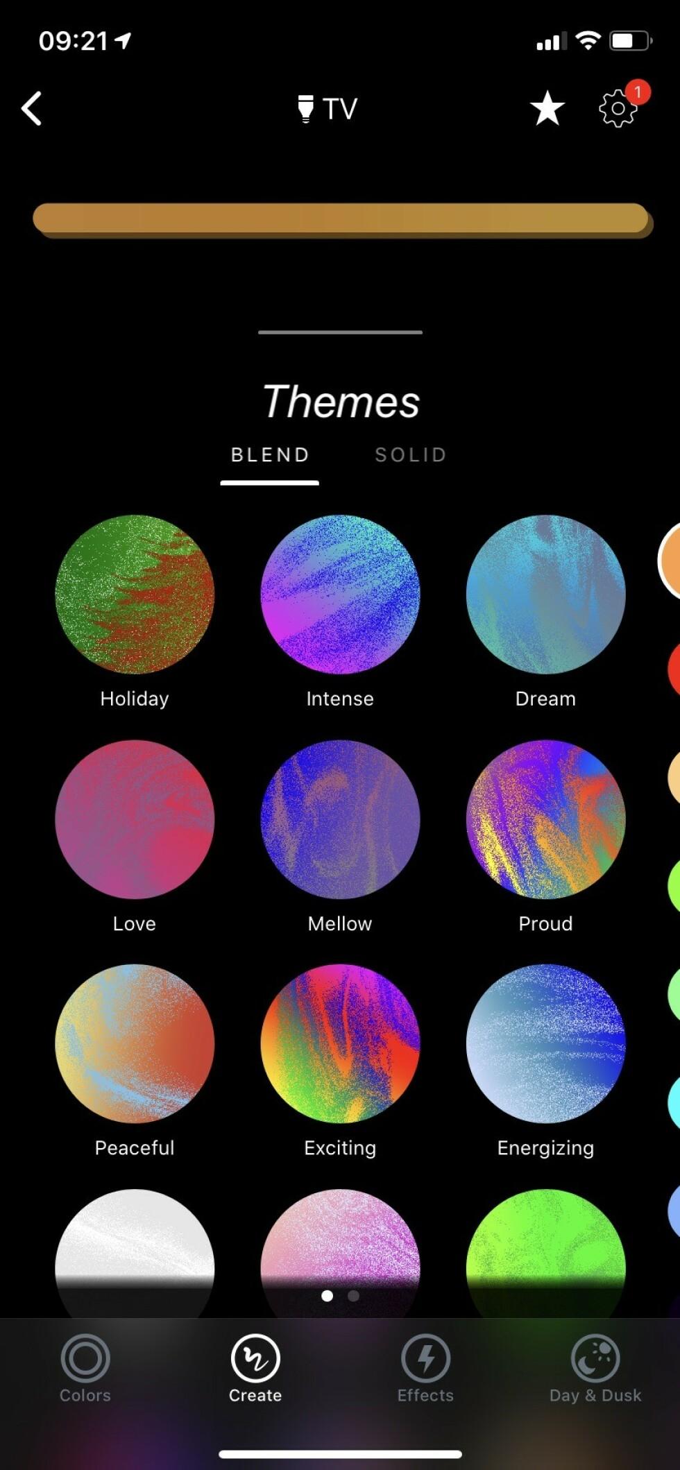 SETT OPP SELV: Ved å trykke på «Create» kan du velge forhåndsinnstilte fargekombinasjoner eller lage dine egne. Foto: Øystein B. Fossum