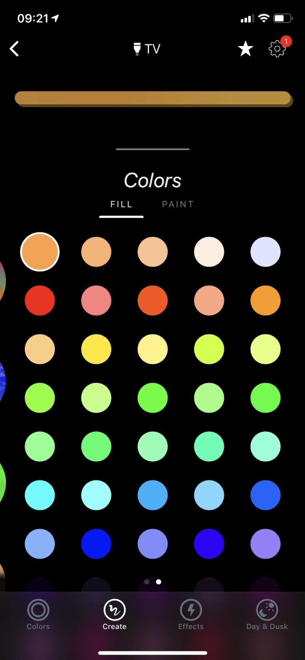 DU VELGER: Ved å trykke på «Create» kan du velge forhåndsinnstilte fargekombinasjoner eller lage dine egne. Foto: Øystein B. Fossum