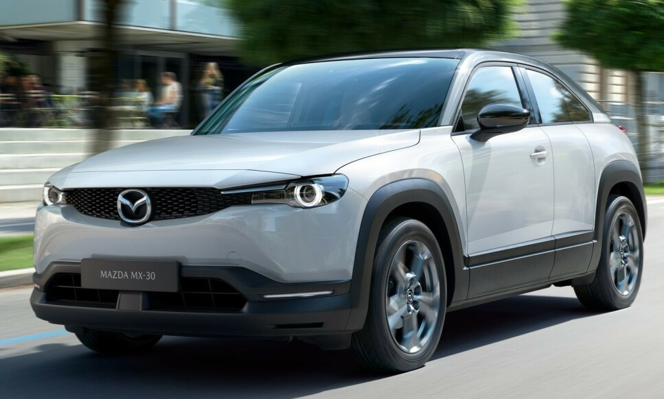 NY ELBIL: MX-30 er crossover SUV elbil kommer til Norge i høsten 2020. Rekkevidde er en beskjedne 200 km. Mazda leker med en hybridløsning med roterende motor som rekkeviddeforlenger. Foto: Mazda
