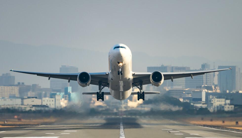 <strong>BILLIGERE FLYBILLETTER:</strong> Flyprisindeksen fra reiseselskapet Travelmarket viser at gjennomsnittprisen for flybillettene i Europa i uke 14 i gjennomsnitt har falt med 34 prosent siden 2015. Foto: NTB scanpix