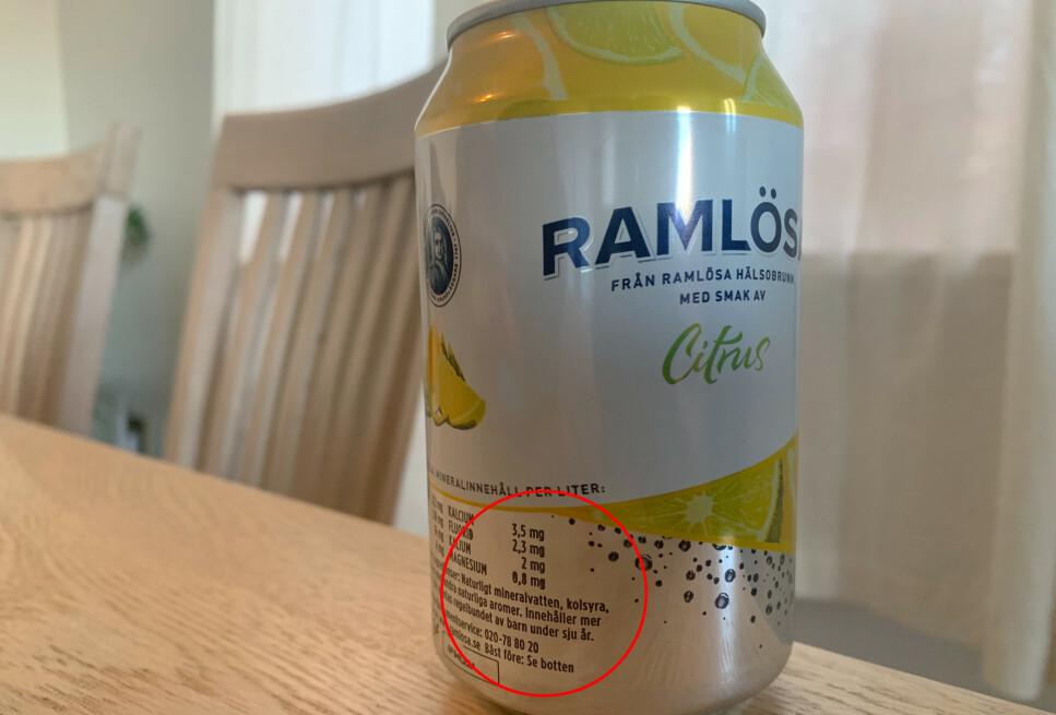 FLUORID: Det svenske mineralvannet Ramlösa inneholder mer enn 1,5 mg/l fluorid, og må dermed ha en advarsel på emballasjen som advarer mot regelmessig inntak for barn under 7 år. Foto: Berit B. Njarga