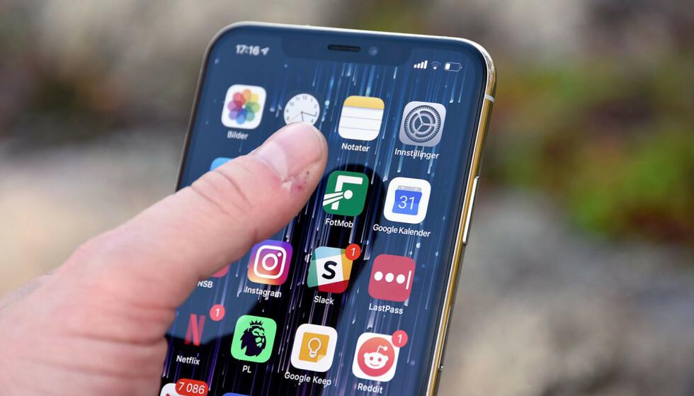 BYTTE STANDARDAPP: I dag kan du ikke bytte de såkalte standardappene på iPhone. Nå vurderer Apple å endre på det, ifølge nye påstander. Foto: Pål Joakim Pollen