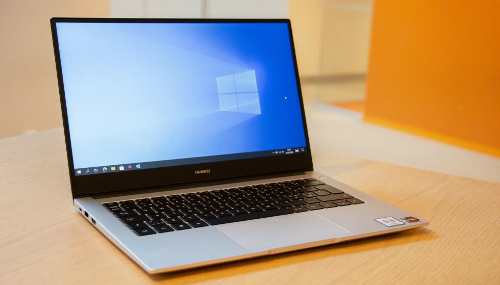 MATEBOOK D: Om ikke perfekt, er Huawei MateBook D en bærbar PC som leverer veldig mye for pengene. Foto: Martin Kynningsrud Størbu