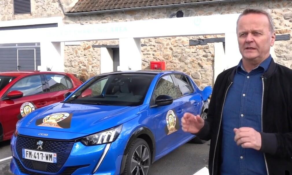 FORTJENT VINNER: Peugeot 208 kommer til å selge bra i Norge, først og fremst med elektrisk drivverk, og er en fortjent vinner, sier Rune Korsvoll, som er norsk jurymedlem. Foto: Fred Magne Skillebekk