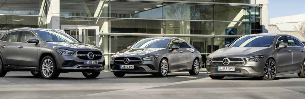 FULLSATT A: Nå er alle modeller basert på A-klassens plattform elektrifiserte. Fra før er A-klasse kombi og sedan, samt B-klasse ladbar. Nå kommer, ikke uventet, GLA og begge varianter av CLA også som ladbare hybrider. De blir spreke og attraktivt prissatt, selv om vi gjerne skulle sett at de var helelektriske. Foto: Mercedes-Benz.