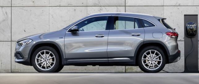 GLA: Mercedes har distansert GLA mer fra A-klasse på den nye modellen. Nå virker den mer troverdig som egen SUV-modell. Foto: Mercedes Benz.
