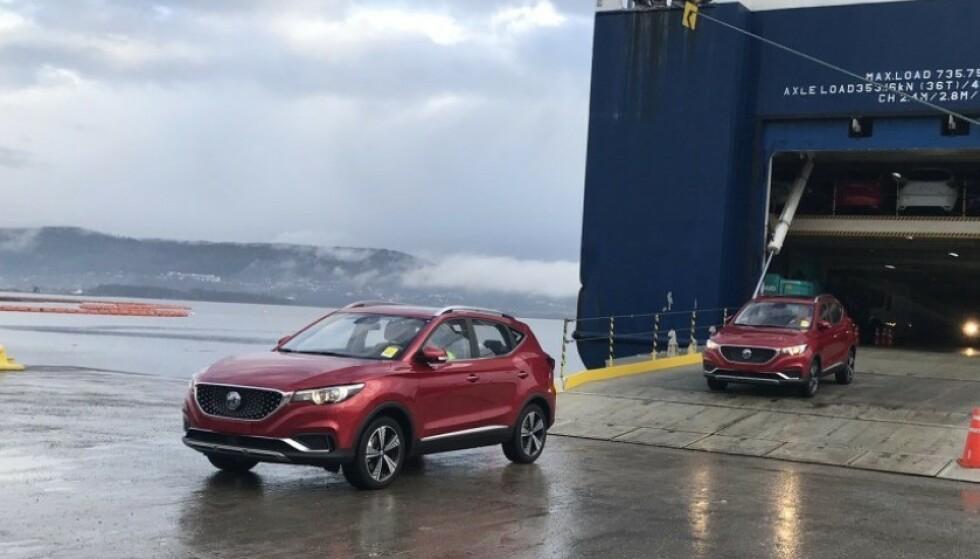 BILLIGSTE SUV: Nye, MG ZS EV, som nylig rullet av båten fra Kina, er den billigste, elektriske SUV-en på markedet. Foto: MG