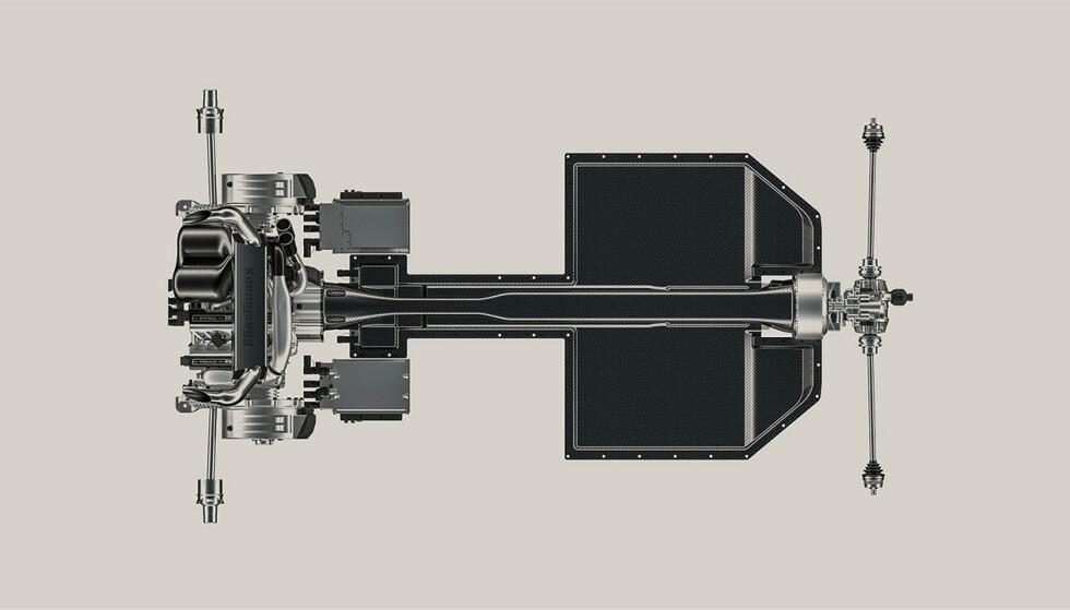 Fire motorer. En tresylindret motor montert i lengderetningen som er koblet til forhjulene via deres trinnløse girkasse og clutcher ut til hvert hjul for å kunne kontrollere effekt til hvert hjul, to elmotorer til bakhjulene og en til forhjulene, sørger for til sammen 1700 hester. Batteripakka ligger i gulvet. Ill: Koenigsegg.
