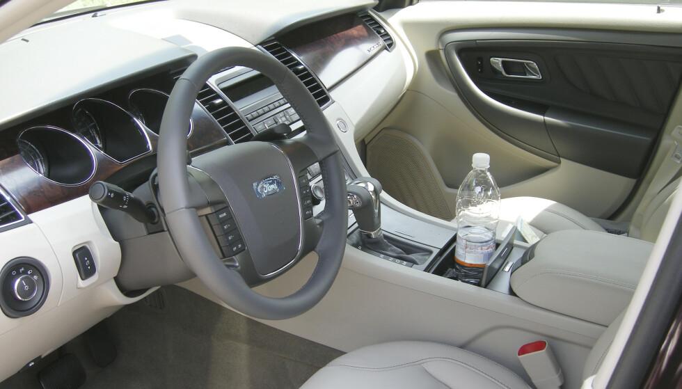 Dagens regelverk gir automatisk førerrett på biler med automatgir om man kjører opp med en manuelt giret bil. Men kjører man opp på en bil med automatgir, mister man rettigheten til å kjøre biler med manuelt gir. Foto: Solveig Vikene / NTB scanpix
