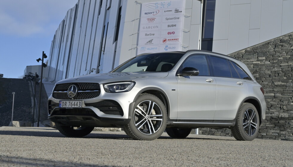 TILBAKEKALLES I USA: SUV-en GLC var Mercedes-Benz sin mest registrerte bil i Norge i 2017, med 2391 salg. Importøren vet fortsatt ikke om denne og 15 andre modeller også må tilbakekalles her. Foto: Rune M. Nesheim