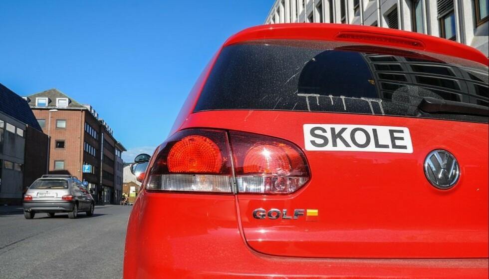 TRAFIKKSKOLER: 31 trafikklærere er fratatt godkjenningen etter tilsyn gjort av Statens vegvesen. De fleste av disse har drevet opplæring på Østlandet. Foto: Knut Opeide/Statens vegvesen