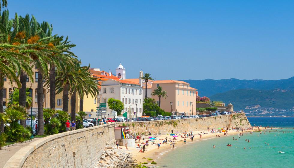REISERÅD: UD fraråder nå reiser til deler av Frankrike, deriblant til øya Korsika. Foto: NTB Scanpix