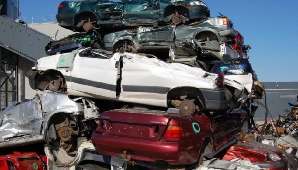 VRAKPANT: Nærmere 70 prosent av bilene som ble vraket i fjor, var bensinbiler. Foto: Norsk Gjenvinning