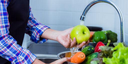 image: Derfor bør du vaske ALL frukt og grønt