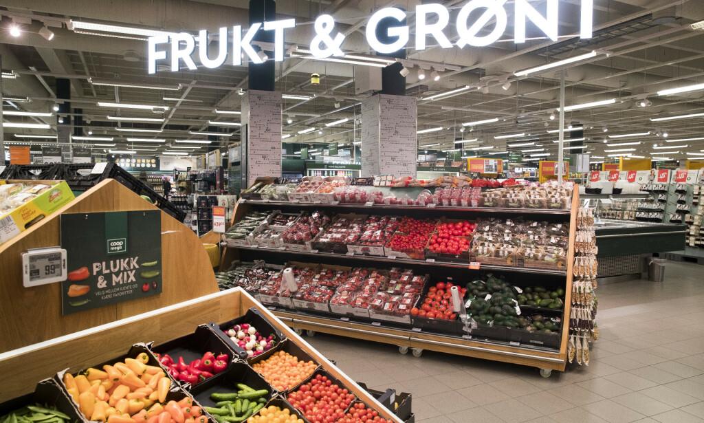 MATPRISENE ØKER: Én konsekvens av svakere krone er økte matpriser, men da bare på enkelte varer. Les mer i saken under. Foto: Terje Pedersen/NTB