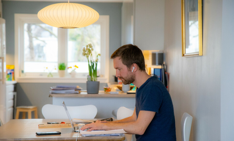 HJEMMEKONTOR: Mange nordmenn jobber hjemme om dagen. Foto: Thomas Brun / NTB scanpix