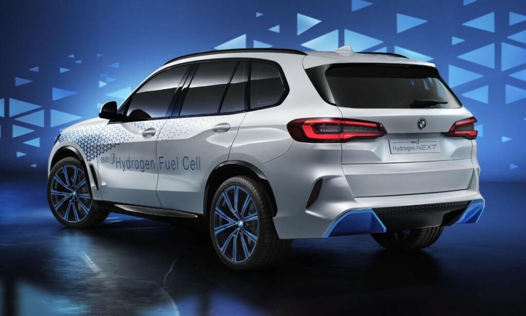 DE STØRSTE: BMW ønsker ikke å satse båare på ren el i elektrifiseringen av biler. De største og de som kjøres lengst egner seg bedre med hydrogen som drivstoff, dersom infrastrukturen kommer på plass. Foto; BMW