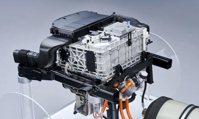 LAGER STRØM SELV: Brenselcellene produserer strøm. Foto: BMW