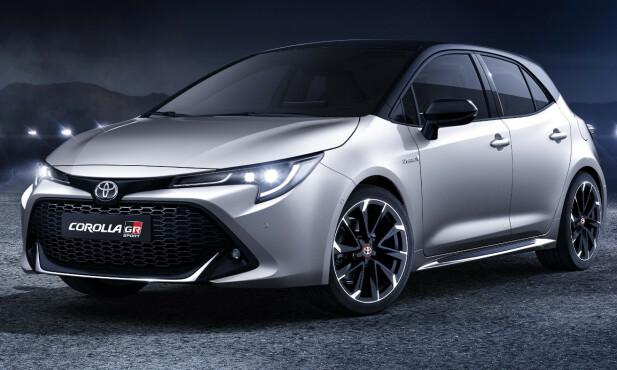 TØFF: Dagens Corolla GR Sport ser allerede bra ut, men forvent en GR-logo i grillen, som vil være mer åpen enn her. Fronten vil gå dypere med mer markert spoiler og tåkelysene vil sannsynligvis bli enda mer markerte. Foto: Toyota.