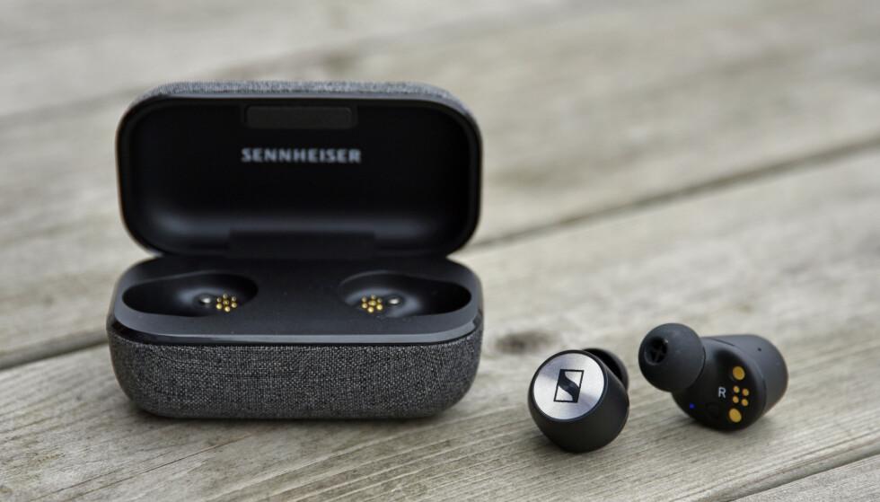 SVÆRT GODE: De koster litt ekstra, men alt i alt er øreproppene fra Sennheiser svært gode. Foto: Pål Joakim Pollen