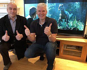image: Jubler etter TV-reparasjon