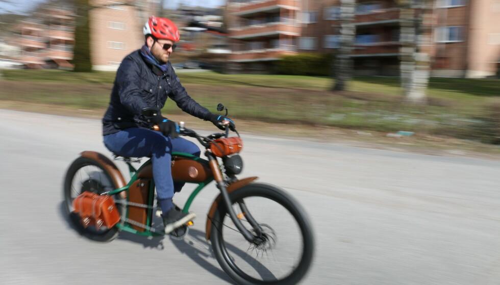 RAYVOLT CRUZER: Kanskje er det på tide å pensjonere den bråkete motorsykkelen og bytte til en stillegående elsykkel? Foto: PRIVAT