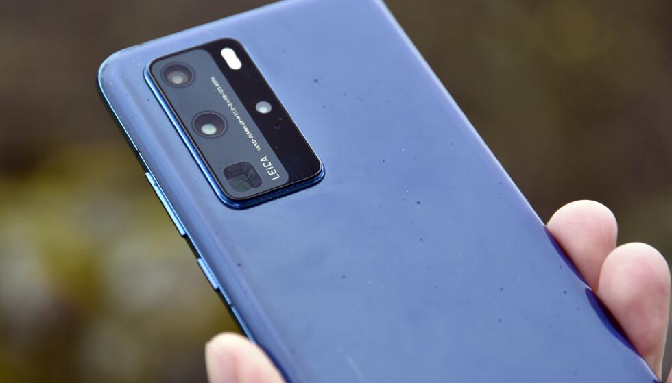 DEN SISTE?: Huawei P40 Pro ble lansert uten Googles tjenester om bord. Et utvidet amerikansk forbud gir nå Huawei en alvorlig hodepine med tanke på å skaffe nye topp-prosessorer. Foto: Pål Joakim Pollen