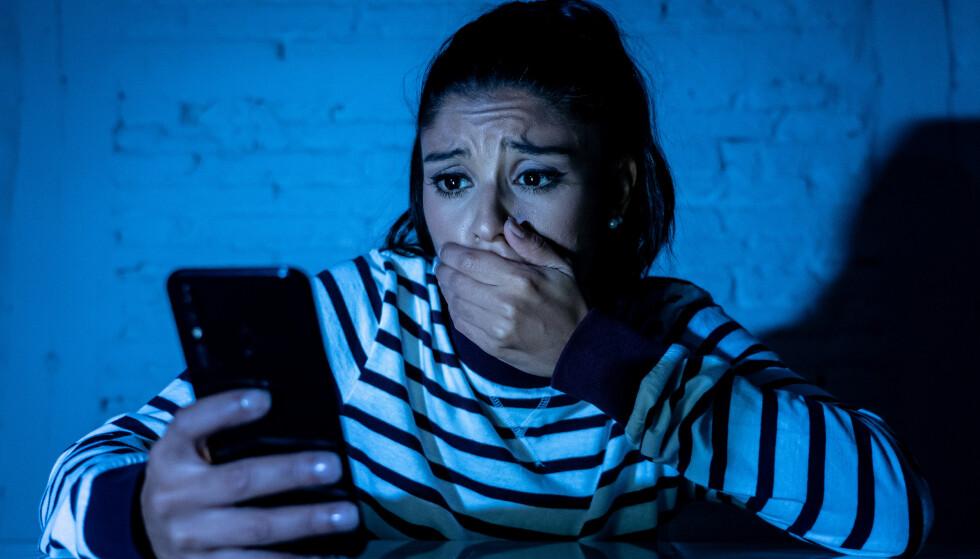 <strong>STJELER PENGER:</strong> Sikkerhetsforskere slår nå alarm om en ny skadevare på Android-telefoner som sikter seg inn på bank- og finanstjenester. Foto: Shutterstock / NTB Scanpix