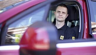 ADVARER: Senior kommunikasjonsrådgiver Nils Sødal i NAF. Foto: NAF