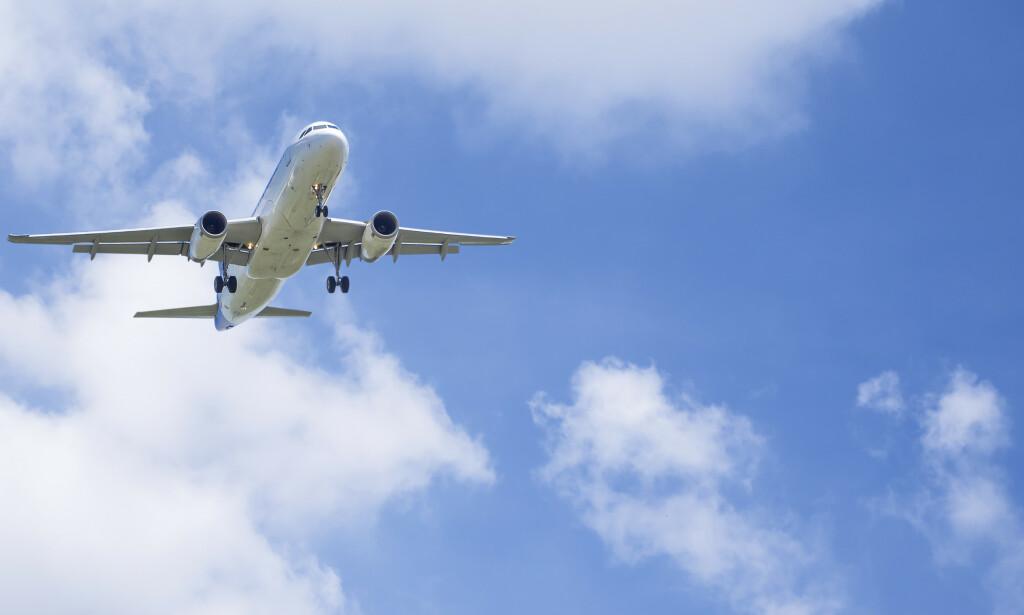 GI VERDISJEKKER: EU vil at passasjerer skal ta imot verdisjekker ved kansellerte flyreiser. Foto: NTB Scanpix