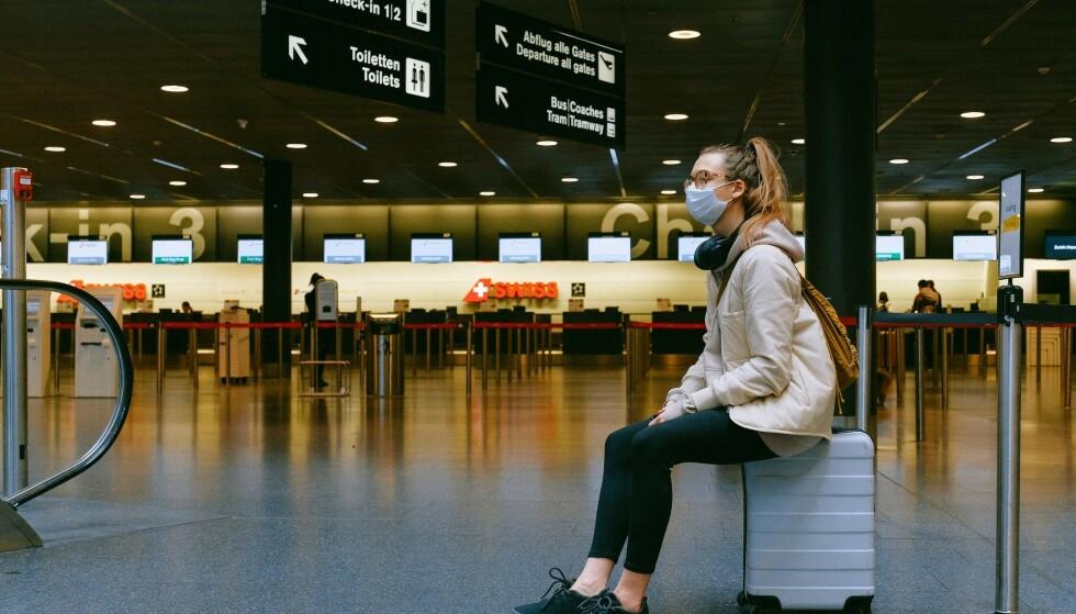 MUNNBIND: Ikke-medisinske munnbind beskytter ikke den som bruker masken, ifølge FHI. Foto: Anna Shvets/Pexels
