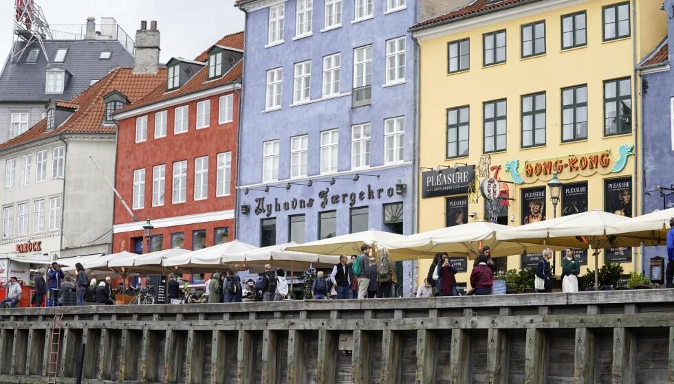 ÅPNE FOR NORDENSREISER: Det kan bli aktuelt å tillate reiser innen Norden, avhengig av smittesituasjonen fremover. Her fra Nyhavn i København. Foto: NTB Scanpix