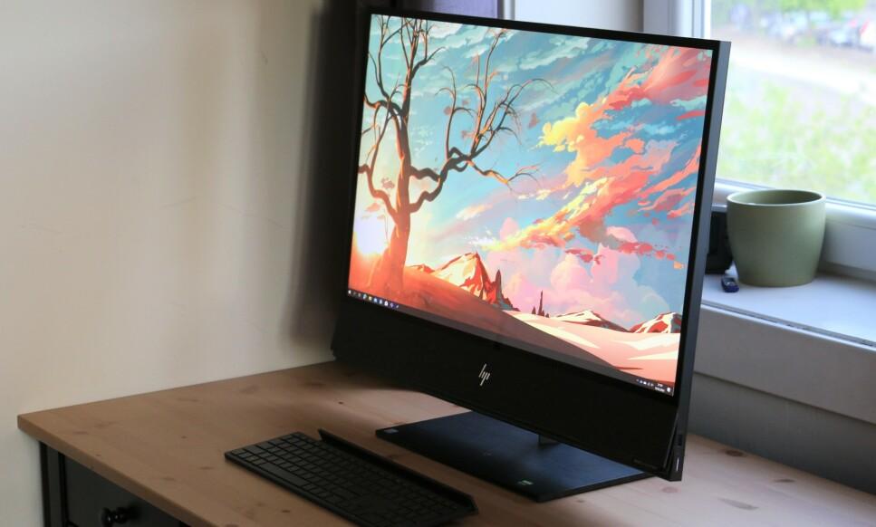 HP ENVY 32: HP sparer ikke på stort. Envy 32 har 4K HDR-skjerm, RTX 2060-grafikk og et flust av tilkoblingsmuligheter. Foto: Martin Kynningsrud Størbu