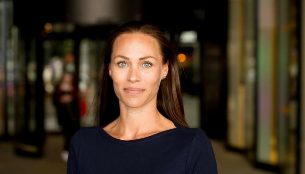 ADVARER: Cecilie Tvetenstrand advarer mot konsekvensene permitteringer og innektstap i år vil få for feriepengene neste sommer, men hun har en mulig løsning også. Foto: Danske Bank/Sturlason.