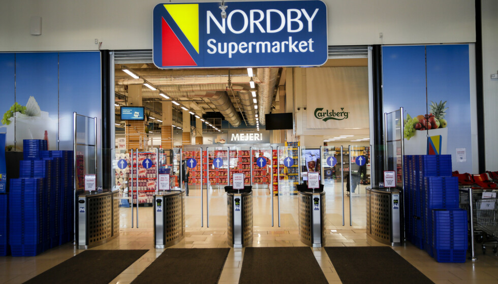 FORTSATT RØDT: Nordby shoppingcenter i Strömstad er fortsatt rødmerket. Foto: Vidar Ruud / NTB Scanpix