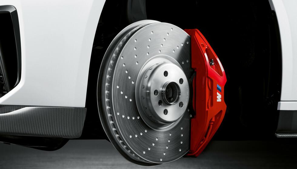 <strong>RØDE:</strong> BMW har hatt blå som signatur på sine M Sport bremser. Nå kan du velge røde også. Foto: BMW