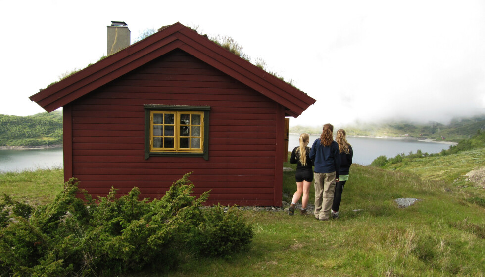 HYTTESOMMER: Vil du bruke mer tid på hytta denne sommeren? Da bør du gå gjennom sjekkpunktene i saken under. Foto: Berit Keilen/NTB Scanpix.