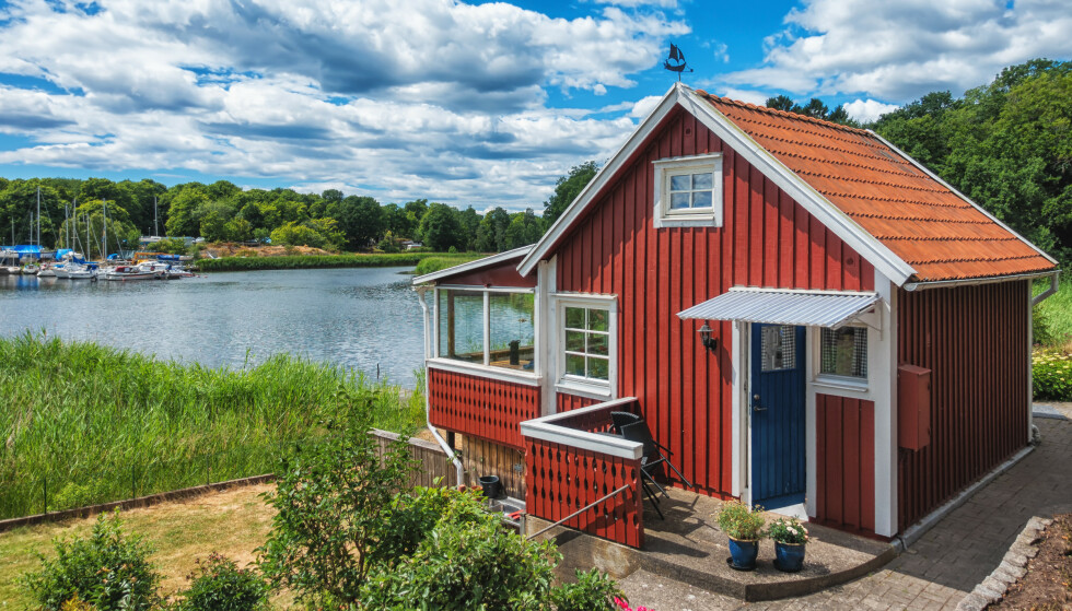 <strong>HYTTESOMMER:</strong> Mange skal tilbringe sommerferien på hytta, mens andre er på utkikk etter ei hytte de kan bruke feriedagene på. Foto: Shutterstock.