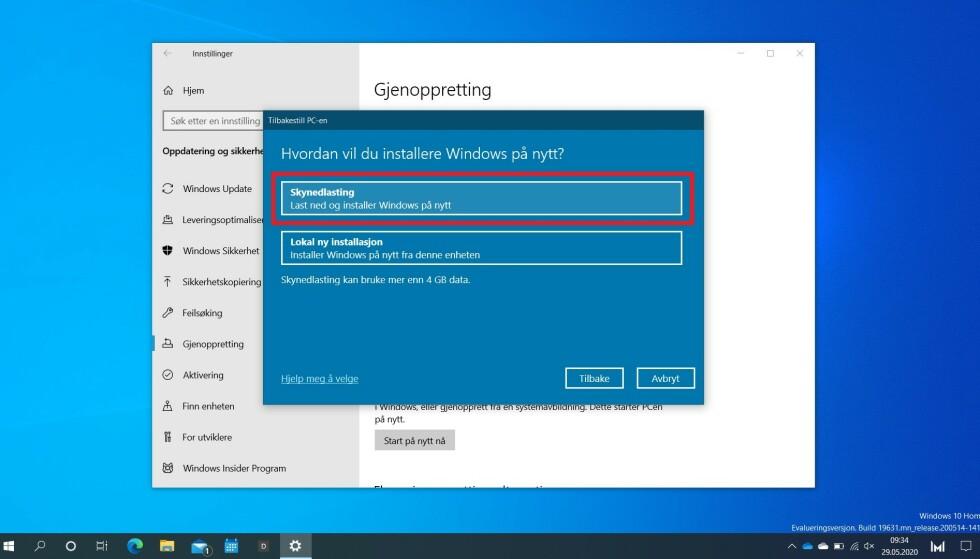 SKYNEDLASTING: Nå trenger du ikke lenger å dra frem minnepinnen for å installere Windows 10 på nytt. Foto: Martin Kynningsrud Størbu