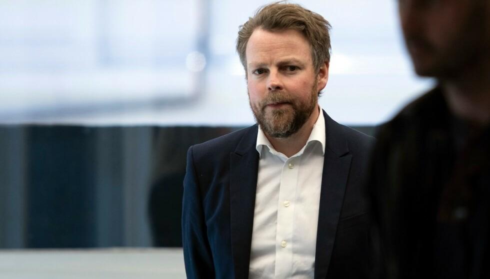 <strong>FORLENGER:</strong> - Vi må sørge for at de som nå er ledige får den kompetansen som næringslivet etterspør, sier Arbeids- og sosialminister Torbjørn Røe Isaksen i en kommentar til Dinside. Foto: Jan Richard Kjelstrup / ASD