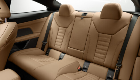 4-SETER: Den er registrert for 5 men den som skal sitte i midten her, lider. Foto: BMW