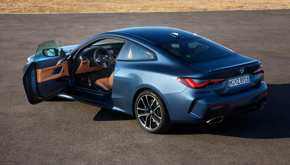 FREKKE LINJER: 4-serie coupe har mer tradisjonelle coupe-linjer og ser veldig bra ut. Med de nye ytre målene, blir den nesten like stor som 8-serien og får trolig bedre bakseteplass. Foto: BMW