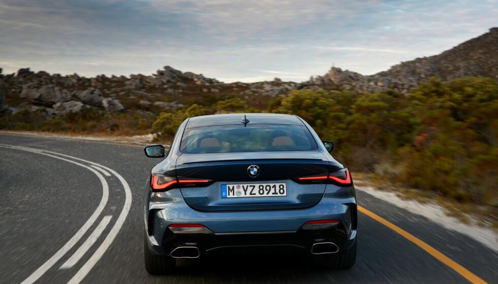 HORISTONTALT: Brede baklyukter og horisontale linjer skal sørge for et bredt og fett look. Foto: BMW