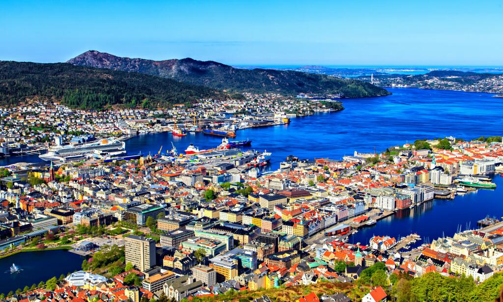 BOLIGPRIS: Les om hvordan boligprisene har utviklet seg i de største norske byene, som Bergen på bildet, i saken under. Foto: Shutterstock/NTB Scanpix.